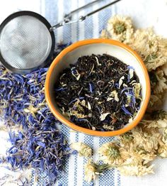 Organic Earl Grey tea infused with floral bergamot, then hand-blended with blue cornflower and white Chrysanthemum petals. Different Types Of Tea, White Chrysanthemum, Tea Reading, Earl Grey Tea, Breakfast Tea, Grey Flowers, Flower Tea, Good Enough To Eat, Edible Flowers