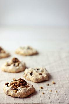 walnut meringue cookies