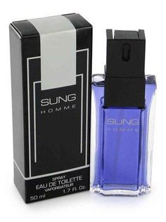 Launched by the design house of Alfred Sung in 1988,SUNG HOMME is classified as a sharp,spicy,lavender,amber fragrance. This masculine scent possesses a blend of lemon,tangerine,sage and pepper. Accom