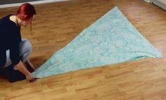 Απλώνει ένα ύφασμα στο πάτωμα και το διπλώνει σε τριγωνικό σχήμα. Το αποτέλεσμα είναι εντυπωσιακό! - LifeTime