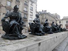 Statues des six continents_Musée d'Orsay_Rue de Lille_Paris (France)_2014-05-08 © Hélène Ricaud-Droisy (HRD)