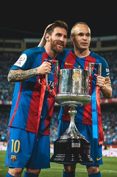 Andres Iniesta and Lionel Messi of FC Barcelona celebrate with the trophy after winning the Copa Del Rey Final match between FC Barcelona and Deportivo Alaves at Vicente Calderon stadium on May Get premium, high resolution news photos at Getty Images Fc Barcelona, God Of Football, World Football, Good Soccer Players, Football Players, Argentina National Team, Leonel Messi, Messi 10, Football Wallpaper