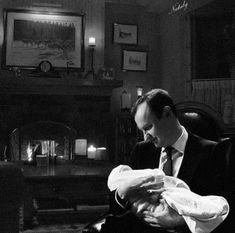 Imagine this was Mycroft and Rosie ❤️❤️❤️😘 Sherlock Holmes 3, Sherlock Cast, Jim Moriarty, Sherlock John, Johnlock, Mary Watson, Una Stubbs, Mrs Hudson, Mark Gatiss