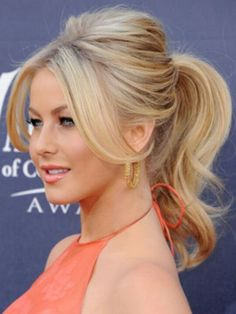 Love the glam ponytail!