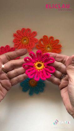 Easy Crochet Stitches, Crochet Motif, Crochet Designs, Crochet Lace, Crochet Patterns, Crochet Flower Tutorial, Crochet Flowers, Crochet Flower Scarf, Crochet Crafts