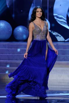 Miss Russia | Grading The Gowns: Miss Universe Edition