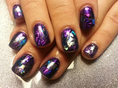 Gel polish manicure with foils... I so going to try this :-)