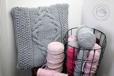#knitting #pillow #owoceszycia
