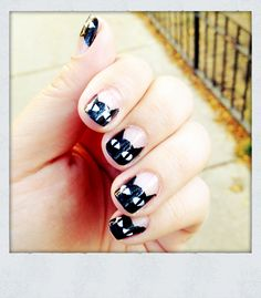 Black kitty cat nails Just in time for Halloween >^.,.^