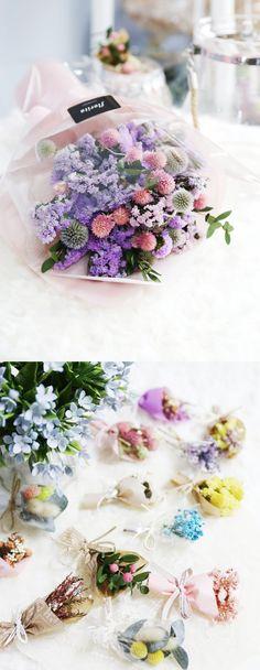 [바보사랑] 모든 것엔 제철이 있죠, 봄은 그야말로 꽃의 계절 :) 향긋한 꽃으로 봄 기운을 마음껏 느껴봐요! #봄 #spring #꽃 #플라워 #flower #드라이플라워 #dryflower #조화 #artificialflower #인테리어 #interior #소품 #꽃다발 #bouquet #선물 #present #gift #파티 #party #꾸미기 #decorate #장식 #decoration #집 #house #거실 #livingroom #바보사랑 #babosarang