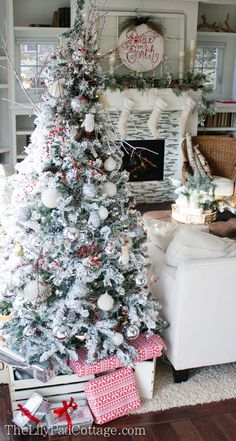 Snowball Christmas Tree Decorations - all the details - The Lilypad Cottage