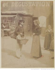 Rue Mouffetard : [marchand de paniers] : [photographie] / [Atget]