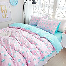 Transform your girl's bedroom into a space that reflects her unique teen style with these 23 stylish teen girl bedroom ideas.