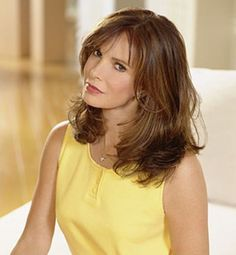 Jaclyn Smith ~ she's so classically beautiful.
