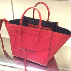 Be it 10th century or 21st century, women always find reasonably priced handbags and the same criteria apply to celine bags as well. Cheap celine bag serve all your practical purpose. Sometimes, she doesn't even care about the style she get, all that matters is the quality.