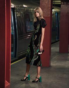 Julia Stegner Brings Glamour to the Subway for The Edit - Prada Clutch - Ideas of Prada Clutch - Standing on a subway platform the model wears a Prada dress clutch and block heel pumps Foto Fashion, Fashion Shoot, World Of Fashion, Editorial Fashion, Fashion Beauty, Female Fashion, Fashion Models, Daily Fashion, High Fashion