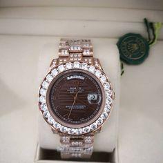 95b8bc301bd Relógio Rolex Oyster Perpetual Datejust – 16233 – Dourado & Marrom /  Madeira com Strass –