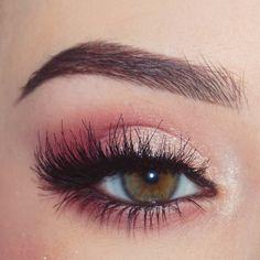 @makeupwales : soft fuchsia pink 6 champagne shimmer. smokey rim. eye makeup 🔮@anastasiabeverlyhills Modern Renaissance Palette🔮@freedom_makeup Brow Powder Duo In Ebony 🔮@lashxolashes Amuse #EyeMakeupRed