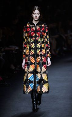 Valentino #PFW Fall/Winter 2015/2016 www.so-sophisticated.com
