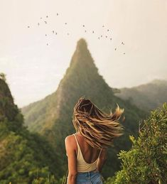 Photo by Travel Agency Located in Phoenix, Arizona ⋆ Awaken Travels Caro mirror Oahu Hawaii. Photo by Caro Oahu Hawaii. Photo by Travel Agency Located in Phoenix, A Oahu Hawaii, Hawaii Travel, Hawaii Hotels, Hawaii Honeymoon, Hawaii Vacation, Italy Vacation, Beach Travel, Places To Travel, Travel Destinations