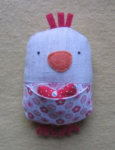 So many patterns to make this adorable chickens. I would make a bunch just for me... Ha.