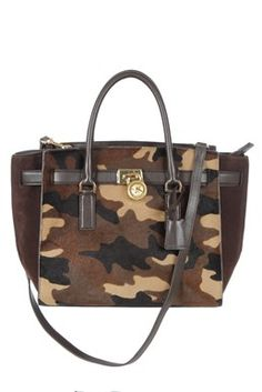 220c38e56e4 MICHAEL Michael Kors - Limited Edition Hamilton Traveler Camouflage Tote Bag.  Shop your new bag at starbags.eu