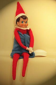 elf on the shelf : Scrubbin' up!