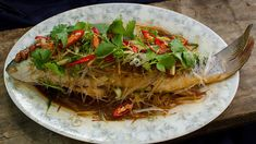 Steamed fish with salted soy beans and glass noodles recipe : SBS Food Easy Chinese Recipes, Asian Recipes, Ethnic Recipes, Asian Foods, Chinese Cooking Wine, Asian Cooking, Chinese Food, Chinese Steamed Fish, Recipes With Soy Sauce