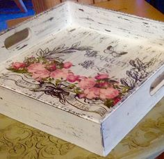 Decoupage Furniture, Decoupage Box, Craft Projects, Chalk Paint Projects, Wooden Projects, Shabby Chic Wall Decor, Shadow Box Art, Painted Flower Pots, Wood Creations