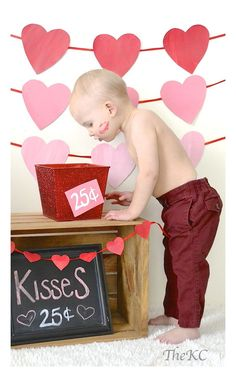 Easy DIY day photoshoot kids backgrounds You are able to not surprisingly get started. Valentine Mini Session, Valentine Picture, Kids Background, Valentines Day Background, Valentines Day Memes, Valentines Day Pictures, Valentines Diy, Photos Saint Valentin, Saint Valentin Diy