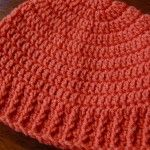 Hi friends! I haven't posted a free crochet hat pattern in a while, so I thought it's high time I share one. I woke up this Saturday morning at 7:40am and got started with my day (tra…