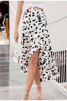 Midi Skirt Casual, Pleated Midi Skirt, Casual Skirts, High Waisted Skirt, White Skirts, Mini Skirts, Vintage Skirt, Ruffle Dress, Dress Collection