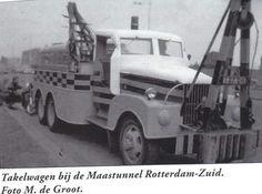 GMC RB-66-01 6X6 die bij de maastunnel op wacht stond