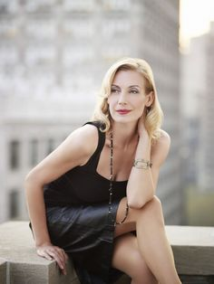 Ute Lemper: I don't know why, but I find this lady almost unbearably attractive. Portraits, Portrait Photographers, Ute Lemper, Fitness Photography, Songs To Sing, Iconic Women, Concert Hall, Female Singers, Interesting Faces