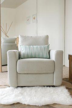 #minimalistnursery #nursery #homedecor #interiordesign #kidsroom #babyroom #genderneutralnursery