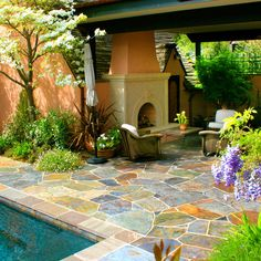 totally love the colors on this patio! A peacock slate patio (by Change of Seasons - Gary Kernick) Outdoor Rooms, Outdoor Gardens, Outdoor Living, Outdoor Decor, Slate Patio, Flagstone Patio, Patio Images, Sacred Garden, Garden Paving