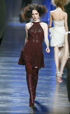 Desfile de Dior. París. Resumen de las mejores pasarelas de la temporada otoño-invierno con fotos. vídeos, Front Row, StreetStyl 2010- 2011. Otoño-invierno.