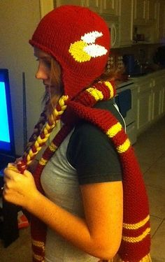 Harry Potter Gryffindor Knitted Snitch Hat