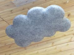 Woolly Acoustic Clouds prevent sound from bouncing around a room – like in a noisy restaurant – by reducing reverberation times. Made entirely from natural materials, they are the only sustainable option on the market.