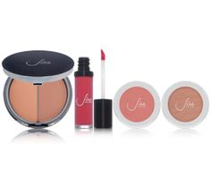 #JiraCouture vibrant shades & rich undertones of their mineral-based lip glosses, blushes and bronzers.