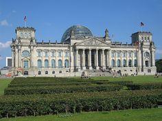 Reichstag, Berlin: In dem 1980er Jahren war ich bei den Tagungen vom KURATORIUM UNTEILBARES DEUTSCHLAND (KUD) von Juni 1982 bis Juni 1989 MIT DABEI. Meine NÄCHSTE Kontakt- u. Bezugsperson in DIESEM Zusammenhang waz der Herr GÜNTER TOTTE vom KUD (Remigiuss http://kruiser.ro/en/contact/
