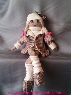 Tania,bambola di stoffa cucita a mano. http://www.misshobby.com/it/negozi/perline-e-bijoux https://www.facebook.com/pages/Perline-e-Bijoux/222239377917891 http://perlineebijoux.blogspot.it/