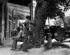 Berenice Abbott, Sunday Afternoon, Colliersville, Tennessee, 1935.