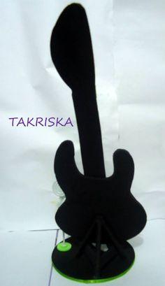 https://www.facebook.com/takriska/photos/a.170744986458916.1073741831.170677443132337/184804701719611/?type=3