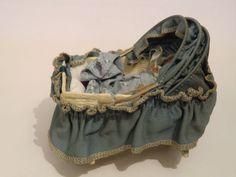 Alte Korbi-Puppenwiege geprägte Pappe mit Faltdach Karl Schreiter   eBay
