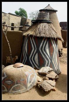 Sirigu Village, Ghana near the border with Burkina Faso ©Mirko Tikalsky Detail Architecture, Art Et Architecture, Vernacular Architecture, Out Of Africa, West Africa, African Hut, Afrique Art, Art Africain, African Culture