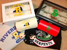 Riverdale Collection - Calling all Riverdale Bulldogs, Vixens, and Southside Serpents! Need a place to store your watches, - Memes Riverdale, Riverdale Merch, Riverdale Funny, Bughead Riverdale, Draco Y Hermione, Clary Y Jace, Hipster Accessories, Fashion Accessories, Films Netflix