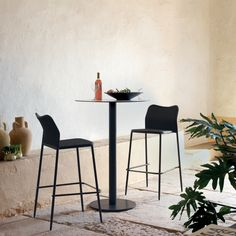 Senso bar stool. Outdoor. Designed by Studio expormim. Photo: Meritxell Arjalaguer.
