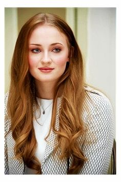 Give Sophie Turner an award because she is literally the prettiest red head actress EVER.