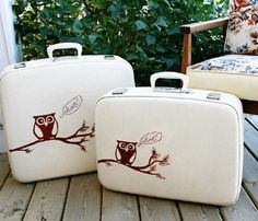 'Owl Vintage Cream Travelgard Hard Shell Luggage Set' from the PopRocketStudios Unique Boutique Vintage Suitcases, Vintage Luggage, Owl Bags, Owl Crafts, Luggage Sets, Travel Luggage, Cute Owl, Purses And Bags, Laptop